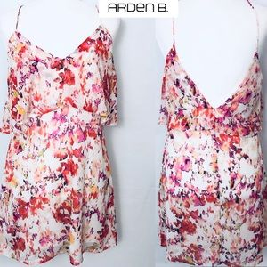 NWT Arden B. Floral Shift Dress